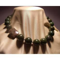 Necklace with African jade, pyrite and labradorite
