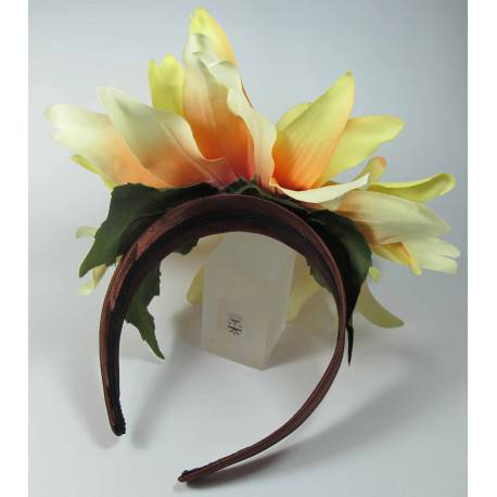Satin headband in brown satin with silk flower and pearl