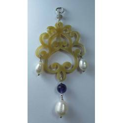 Pendant with horn, pearls, amethyst and labradorite