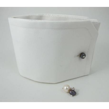 Cufflinks with white and grey pearls