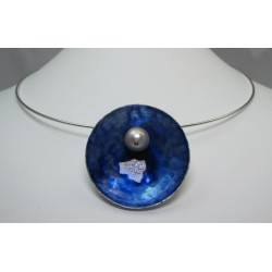 Aluminium pendant with pearls or semi-precious stones