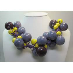 "Necklace with ""grapes"" of ceramic"