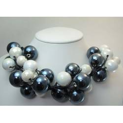 "Necklace in black cotton with ""grapes"" of black and white ceramic"