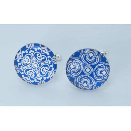 """Round cufflinks with cabochon glass """"different but complementary"""""""