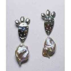 Shovel of the prickly pear earrings with big keshi pearls