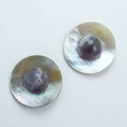 Earrings with Tahiti mother of pearl and amethyst cabochon