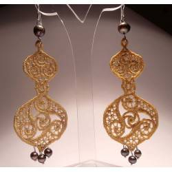 Silver earrings with pearls and golden LineaErre embroidery